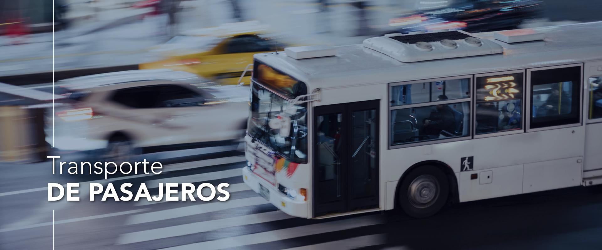 En un vehiculo con pasajeros se pueden instalar cámaras, grabar, generar eventos, contar los pasajeros, realizar reconocimiento facial a cada uno de ellos.